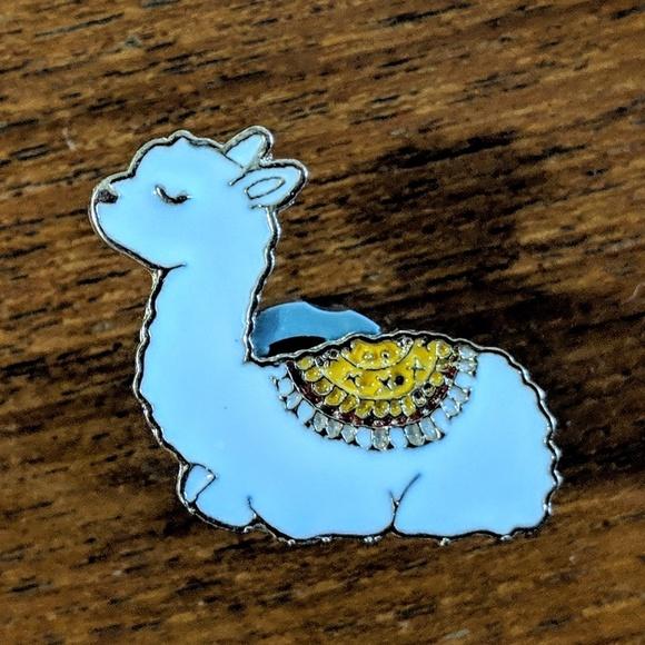 Accessories - LLama Metal Enamel Pin Badge NWOT